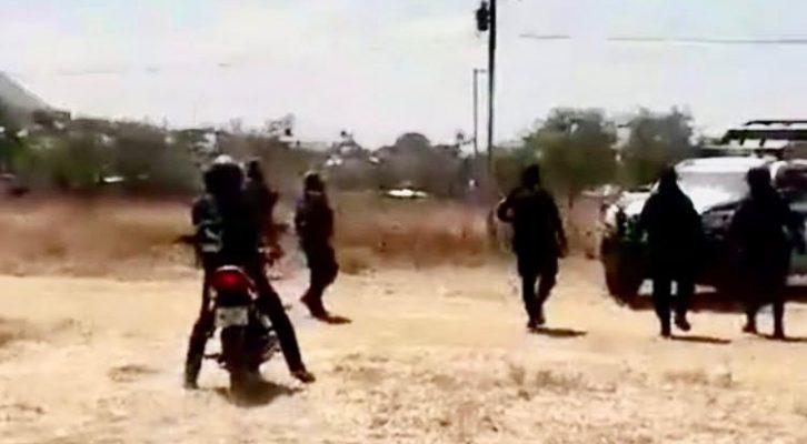Edil de San Pedro Ixtlahuaca detiene trabajo de colonos con lujo de violencia en Oaxaca (09:00 h)