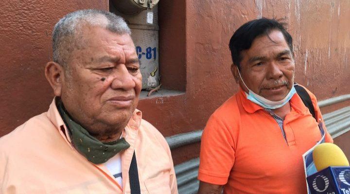 Acusan aedil de Santa Catarina Mechoacán de mandar a golpear y amenazar a la gente que le exige cuentas, solicitan destitución y auditoría (11:45 h)
