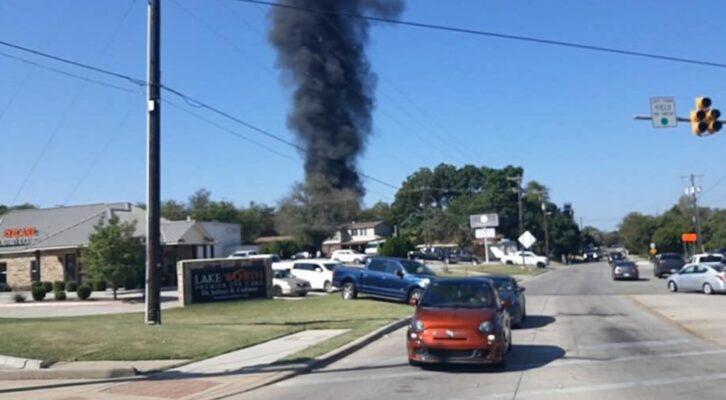 Avión militar de entrenamiento se estrella en Texas, hay dos lesionados (20:00 h)